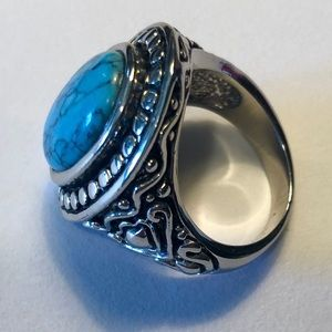 Jewelry - Faux turquoise ring